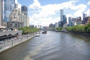 Melbourne: Explore the city center on foot