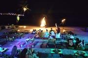 Koh Tao: Light show in a bar