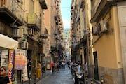 Naples: Browsing Naples streets
